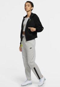 Nike Sportswear - Zip-up hoodie - black/volt - 1