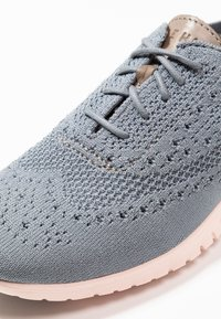 Cole Haan - ZEROGRAND STITCHLITE OXFORD - Sneaker low - ironstone/tropical peach - 2