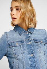 Vero Moda - VMULRIKKA JACKET - Denim jacket - light blue denim - 3