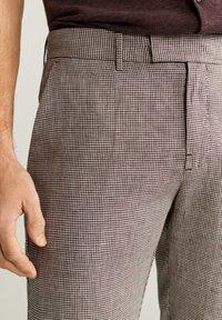 Mango - BOKI - Trousers - weinrot - 3