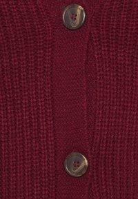 Vero Moda Curve - VMLEA V NECK CARDIGAN - Cardigan - cabernet - 2