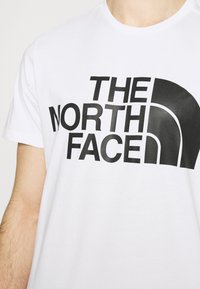 The North Face - STANDARD TEE - Printtipaita - white - 4