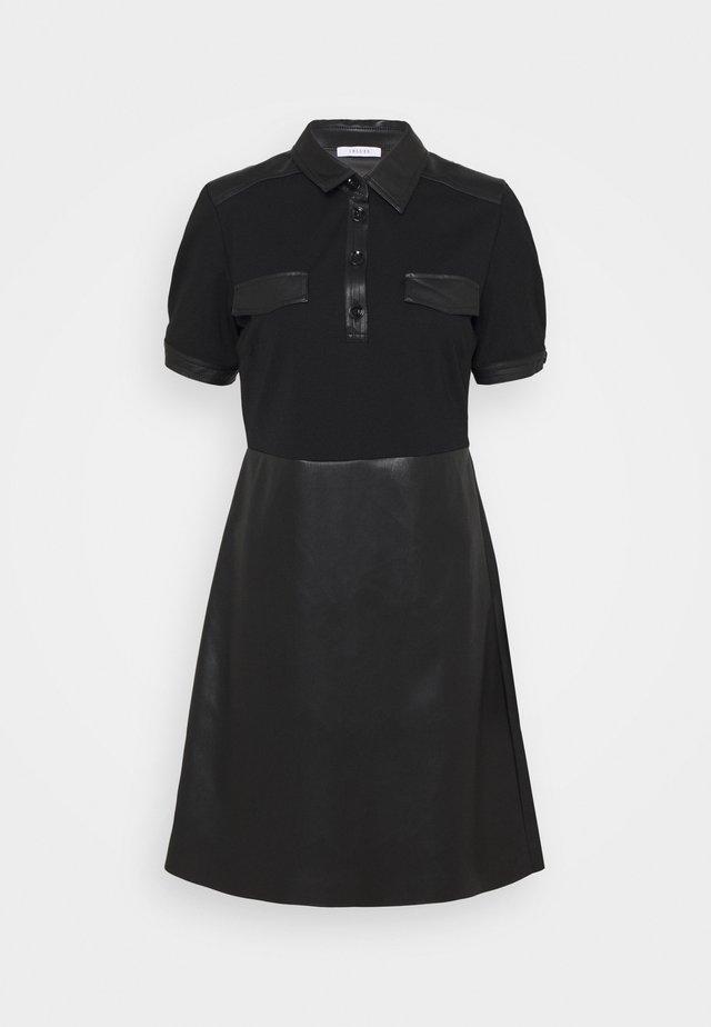 ERICA - Žerzejové šaty - nero