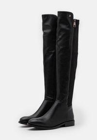 Laura Biagiotti - Høye støvler - black - 2