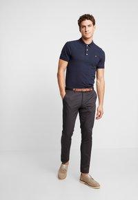 Farah - BLANES  - Polo shirt - true navy - 1