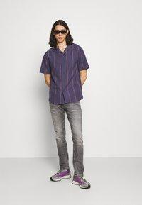 Cotton On - TEXTURED SHORT SLEEVE - Shirt - purple - 1
