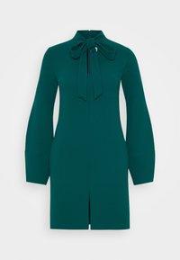 Victoria Victoria Beckham - BANANA SLEEVE SHIFT DRESS - Cocktail dress / Party dress - emerald green - 6