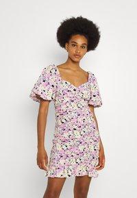 Gina Tricot - LEAH DRESS - Sukienka koktajlowa - pastel - 0