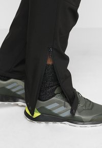 Regatta - GEO Softshell II - Pantalons outdoor - black - 3