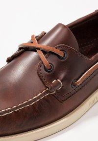 Sebago - DOCKSIDES PORTLAND  - Boat shoes - brown - 5