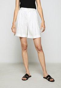 CLOSED - JANIE - Shorts - ivory - 0