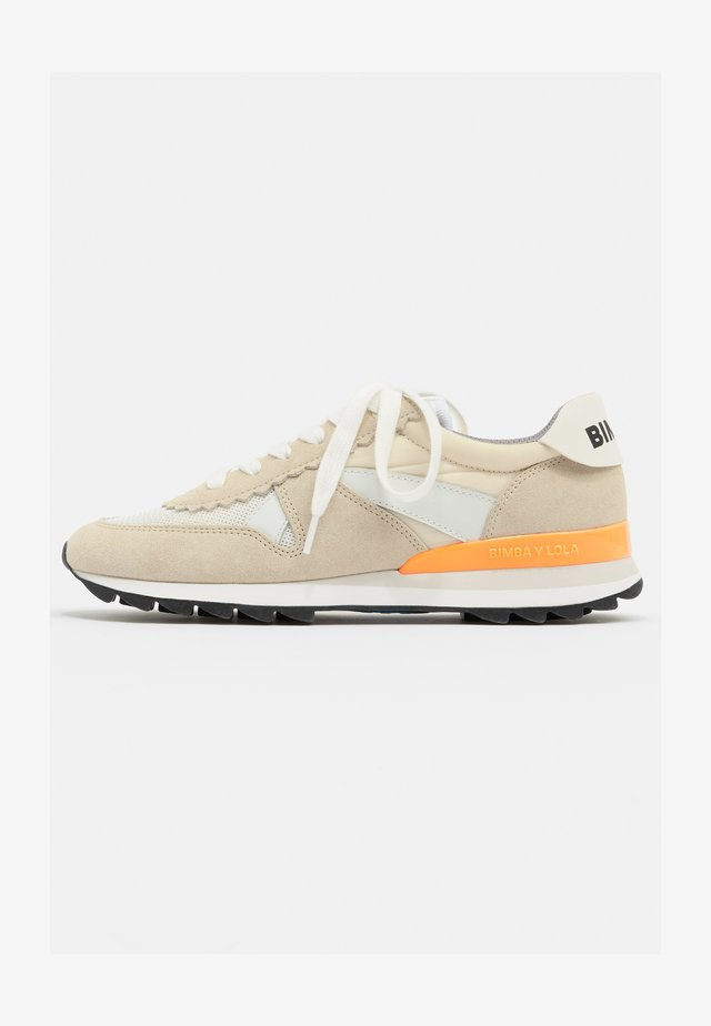 NATURAL TECHNICAL - Sneakers laag - white