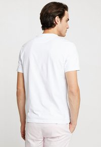Lyle & Scott - LOGO - T-shirt con stampa - white - 2