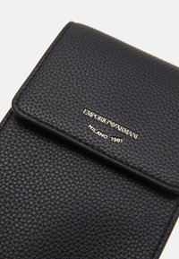 Emporio Armani - PHONE CASE - Phone case - nero - 3
