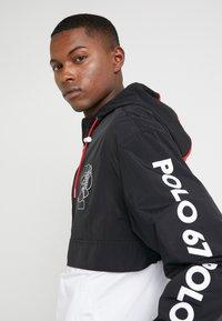 Polo Ralph Lauren - WING HALF ZIP JACKET - Lehká bunda - black/ white - 3