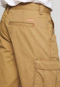 Esprit - Shorts - camel - 5