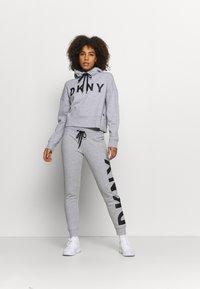 DKNY - EXPLODED LOGO HOODIE - Sweatshirt - pearl grey heather - 1