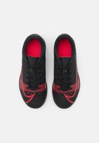 Nike Performance - MERCURIAL JR VAPOR 14 CLUB IC UNISEX - Indoor football boots - black/cyber - 3