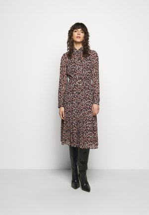 DAINTY  - Shirt dress - dark ruby