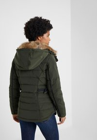 MICHAEL Michael Kors - SHORT PUFFER - Down jacket - ivy - 2
