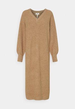 OBJMALENA DRESS - Jumper dress - chipmunk melange