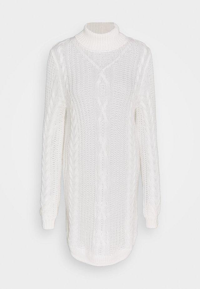 OBJAVA ROLLNECK DRESS  - Stickad klänning - gardenia