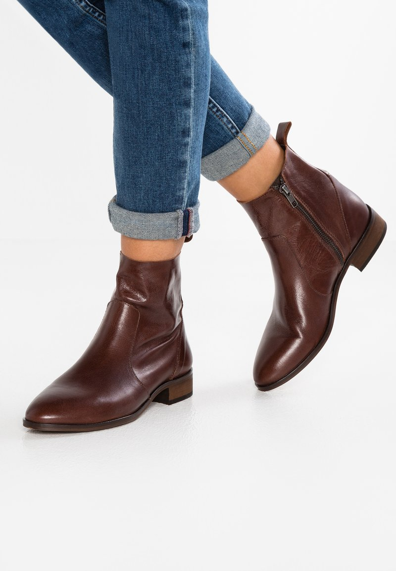 Office - ASHLEIGH - Classic ankle boots - brown
