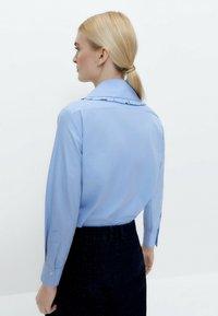 Uterqüe - Button-down blouse - blue - 2