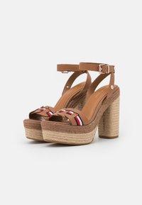 Tommy Hilfiger - INTERLACE - Platform sandals - summer cognac - 2