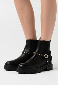 Shoe The Bear - FRANKA CAGE - Cowboy/biker ankle boot - black - 0