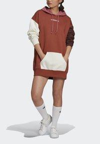 adidas Originals - HOODED DRESS CB - Hoodie - multicolor - 3