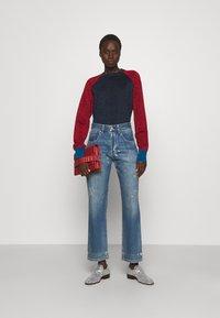 Victoria Beckham - VICTORIA - Straight leg jeans - vintage wash light - 1