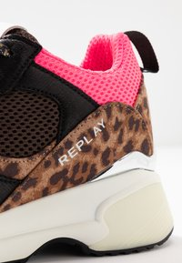 Replay - PLUS - Trainers - brown/pink - 2