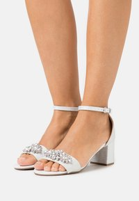 Wallis - SAVOY - Sandals - white shimmer - 0