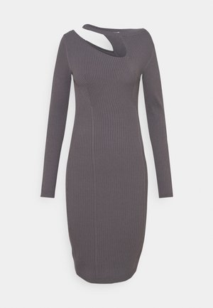 DRESS - Strikket kjole - road gray