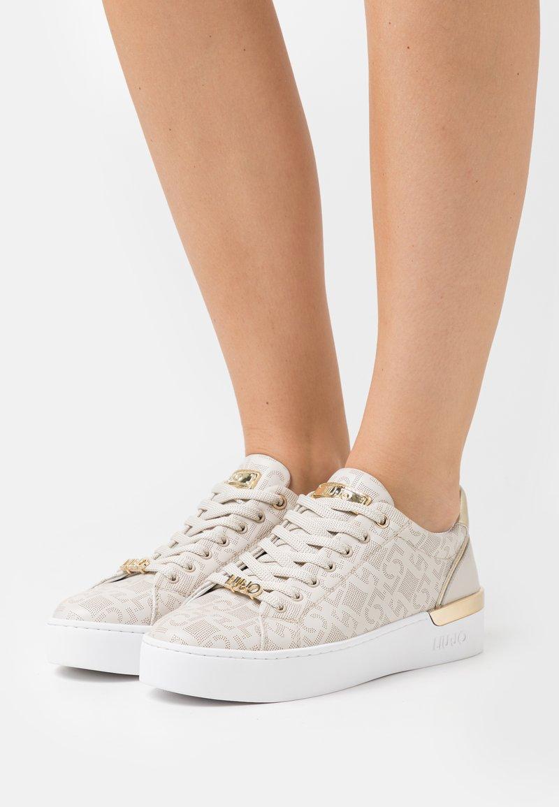 Liu Jo Jeans - SILVIA  - Sneakers basse - milk