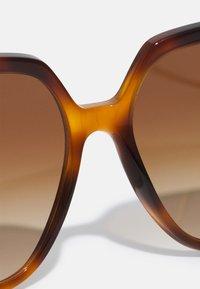 Burberry - Solglasögon - light havana - 4