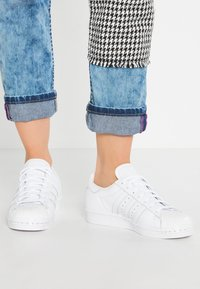 adidas Originals - SUPERSTAR 80S  - Sneakers laag - white - 0