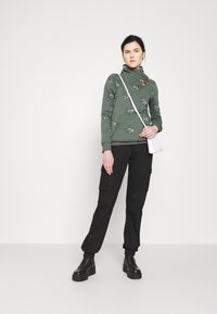 ONLY - ONLPIP NADINE HIGHNECK - Sweatshirt - balsam green - 1