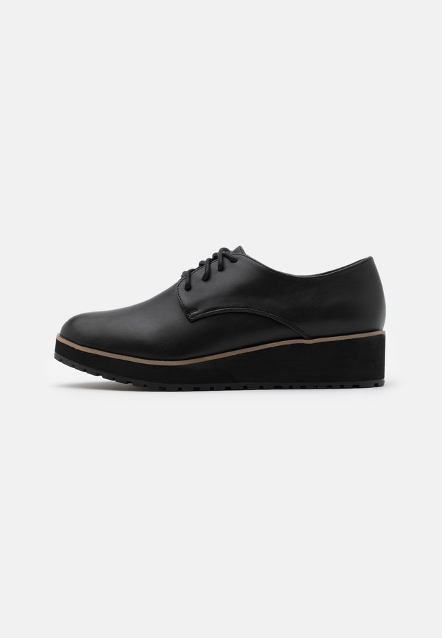 BUBBLES - Derbies - black
