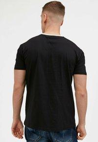 Kings Will Dream - 2PACK - Print T-shirt - oatmeal / black - 3