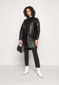 ONLY - ONLAMAZE OVERSIZED - Camisa - black - 1