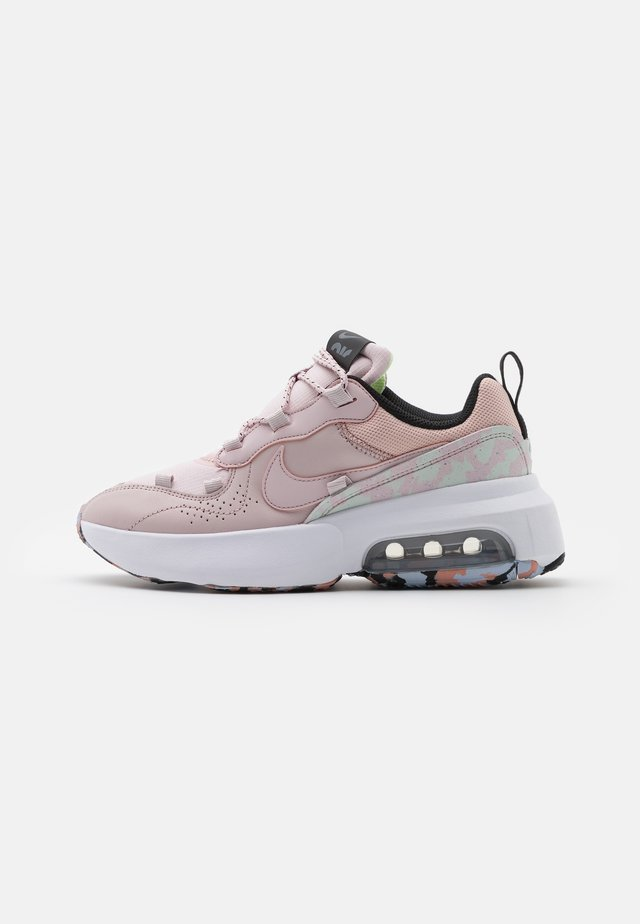 AIR MAX VIVA - Sneakersy niskie - barely rose/pink oxford/barely green/ghost/black