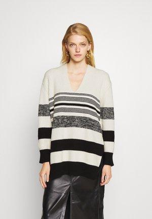 LOFTY STRIPE OVERSIZED V NECK - Pullover - ecru/black
