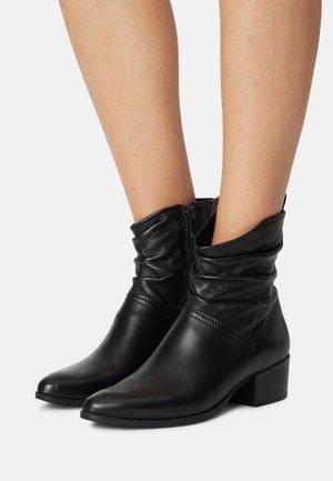 Støvletter - black antic