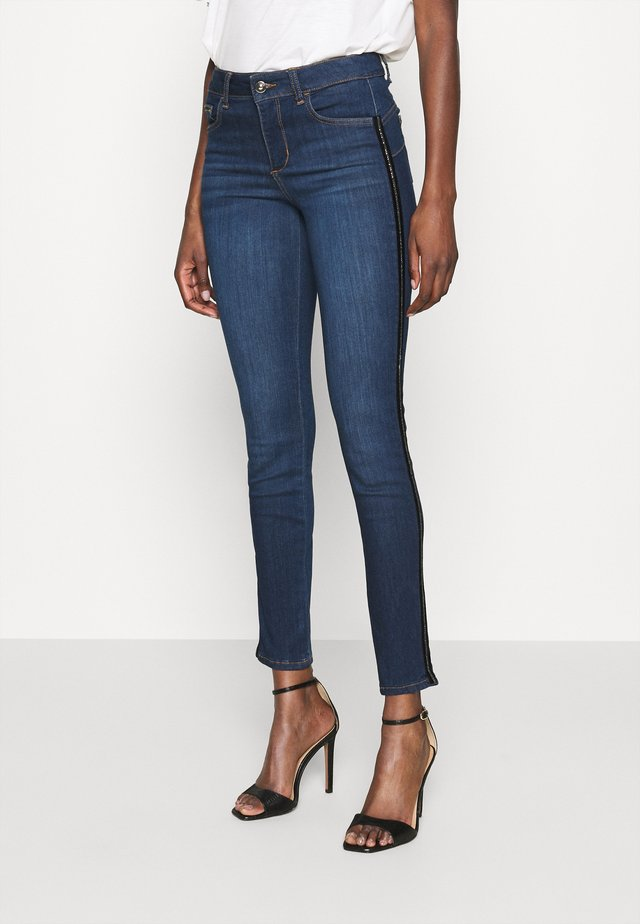 DIVINE - Jeans Skinny Fit - blue denim