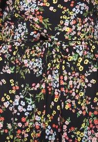 Miss Selfridge Petite - PRINTED SMOCK DRESS - Denní šaty - black - 5