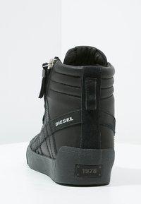 Diesel - D-STRING PLUS - Sneakers alte - black - 3