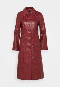Who What Wear - BUTTON FRONT 70S COAT - Zimní kabát - garnet - 4