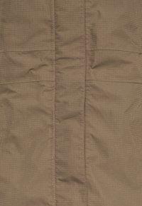 Vaude - WOMEN'S KAPSIKI COAT - Hardshell jacket - coconut uni - 3